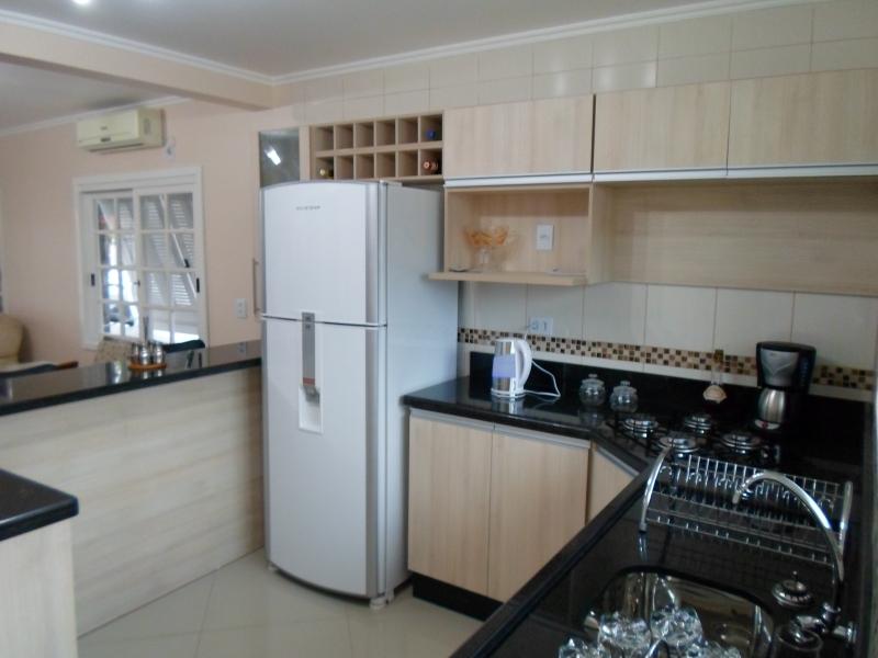 Bartz Móveis Planejados  Projetos da nossa loja de móveis # Cozinha Pequena Com Duas Cubas
