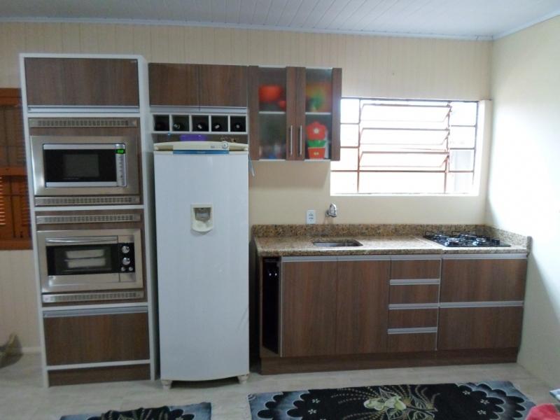 Cozinha com Microondas e Forno de Embutir