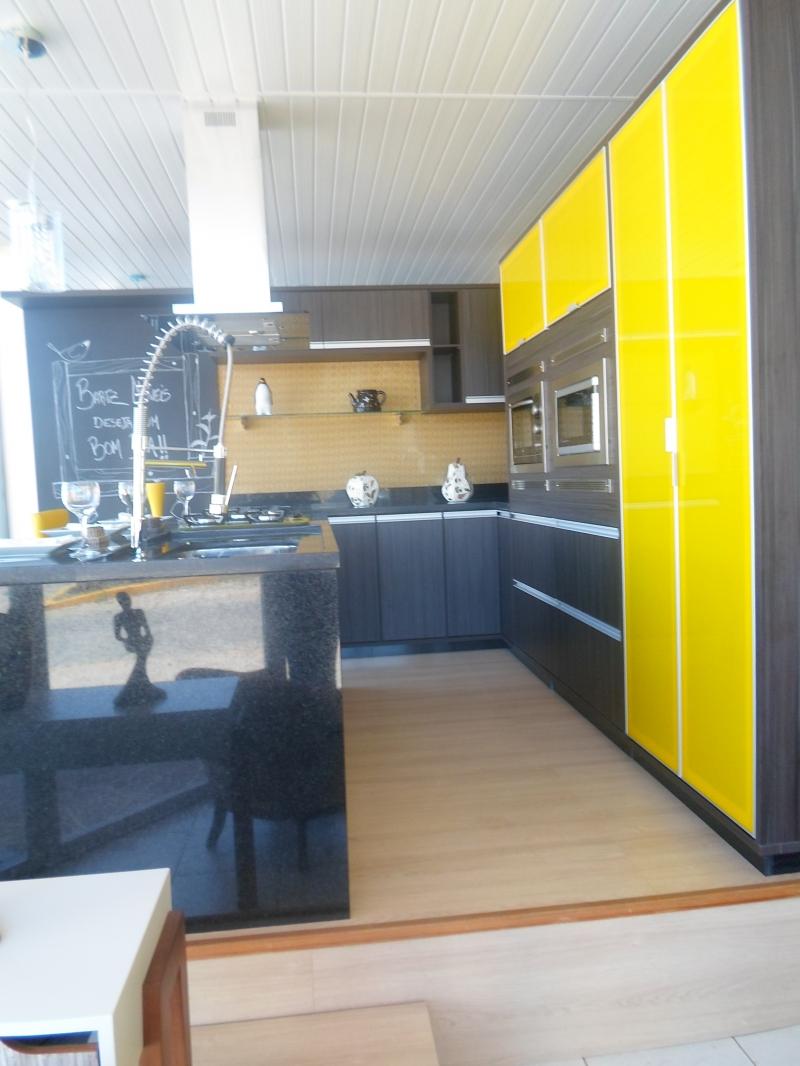 Cozinha Planejada Com Ilha Amarela Cool Cozinha With Cozinha